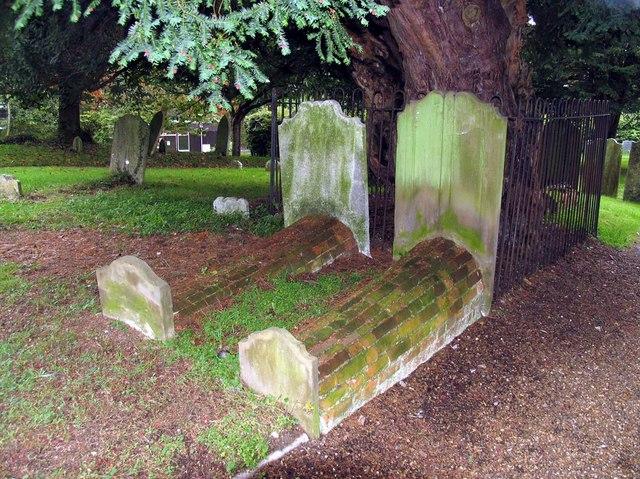 St Giles, Ashtead, Surrey - Churchyard