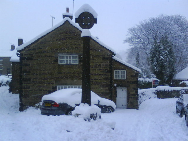 Old Cross, Old Glossop