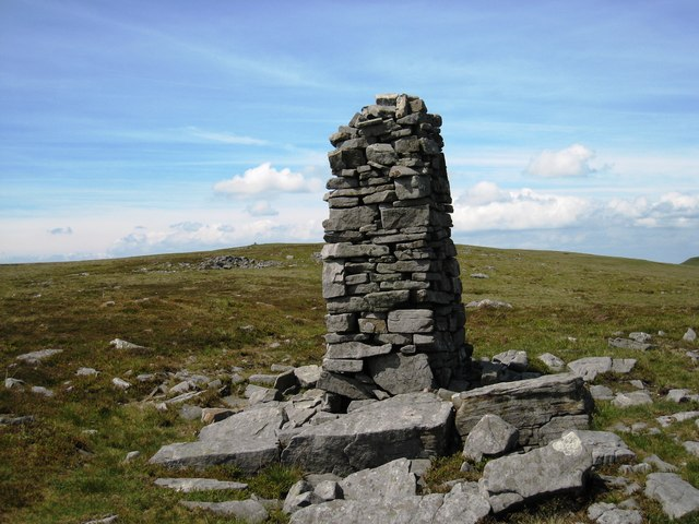 Cairn near Long Gill Head