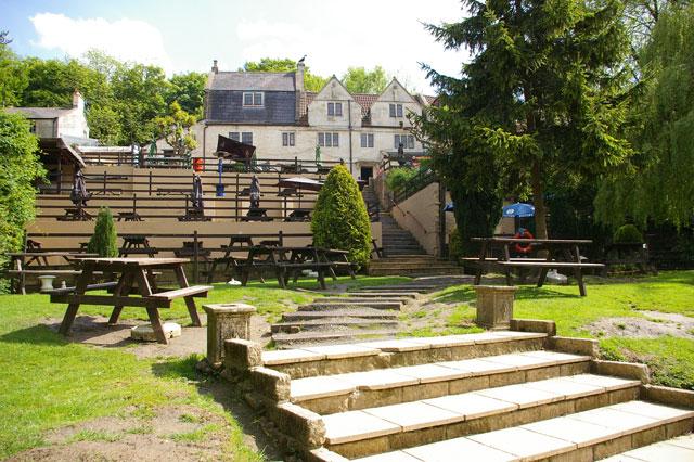 Cross Guns pub garden