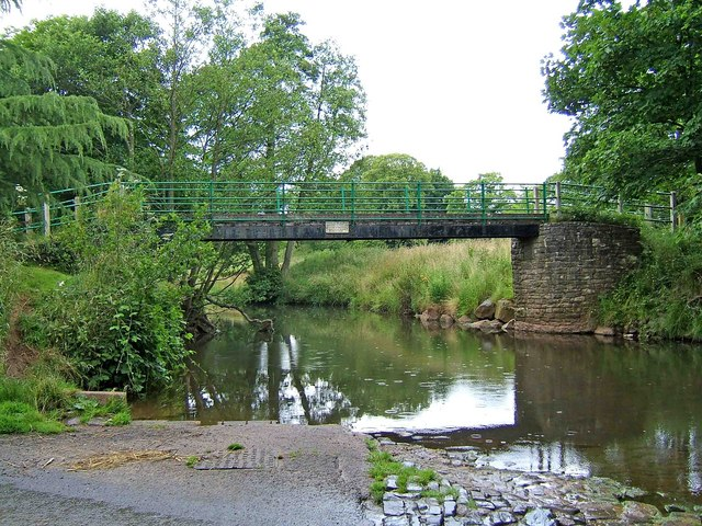 Footbridge across the River Rea