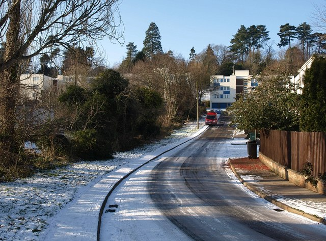 Crownhill Rise in the snow (2)
