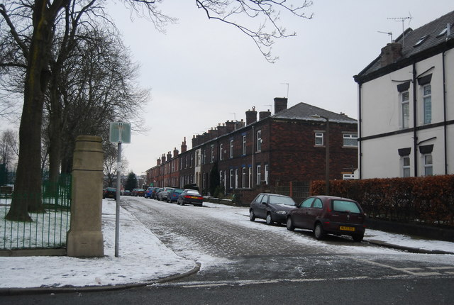 Lonsdale St