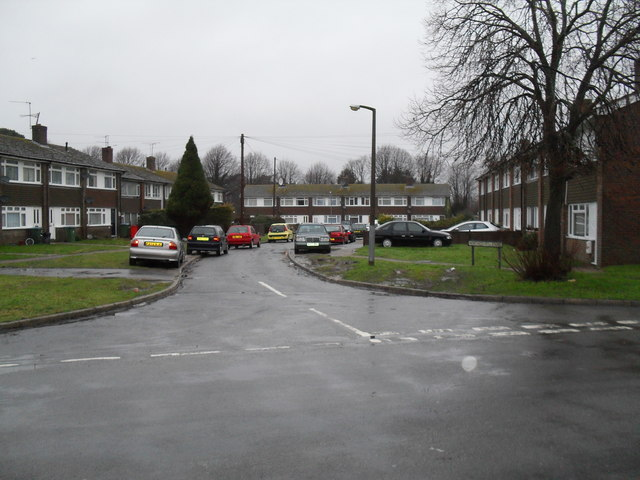 Looking from Canterbury Road into Northcourt Close