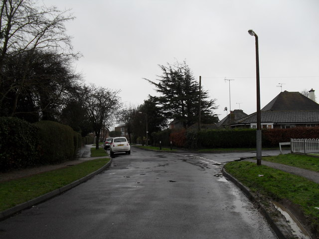 Approaching the junction of Allangate Drive and Park Drive