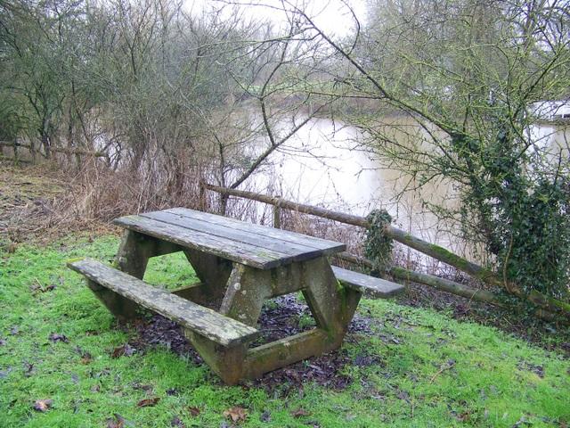 Picnic table, Sturminster Newton