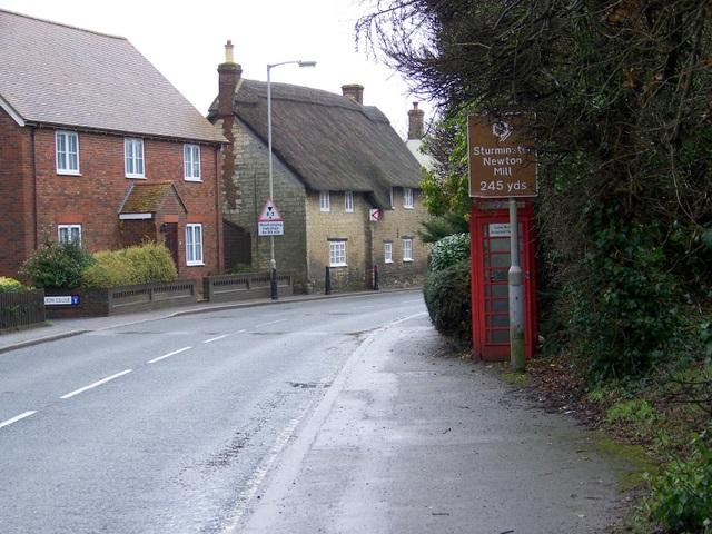Telephone box, Newton