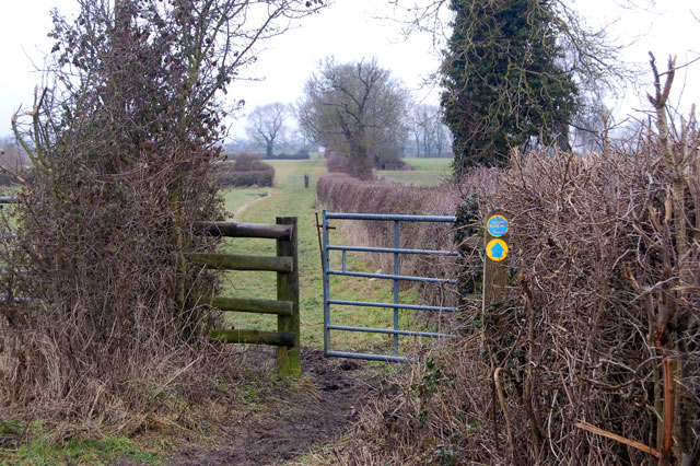 Bridleway gate and sign west of Broadwell