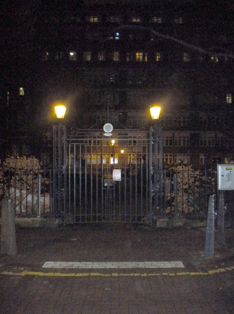 Entrance to Queen Square WC1