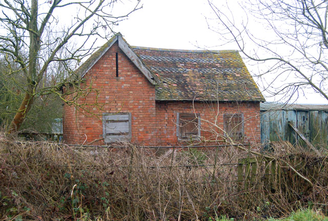 Brick-built stables beside Stonebridge Lane, Long Itchington
