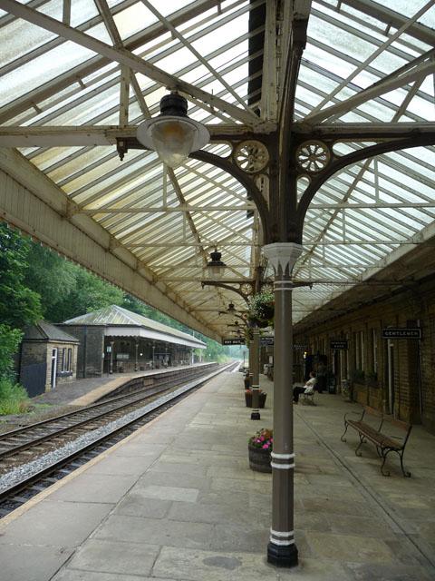 Canopy - platform 2, Hebden Bridge station