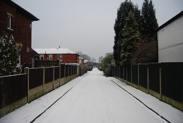 Back Street connecting Grange Rd to Horbury Drive