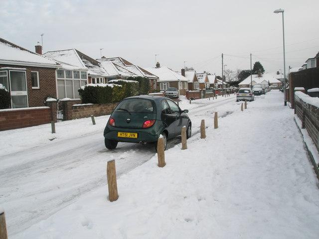 A snowy Court Close
