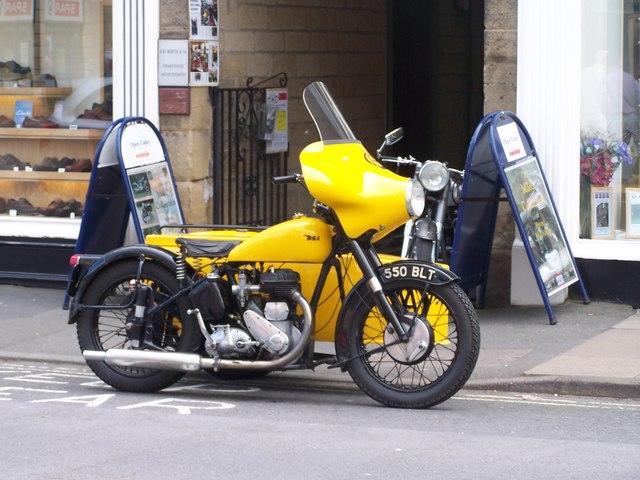 Vintage AA Motorcycle Combination, Bakewell - 1