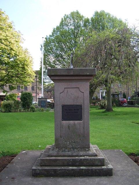 Memorial Sun Dial, Bath Gardens, Bakewell - 2
