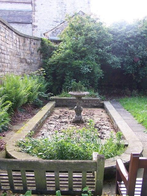Memorial Garden, Bath Gardens, Bakewell - 2