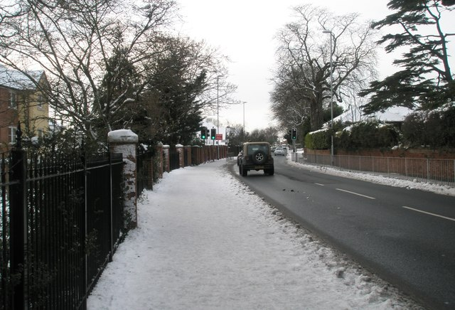 A snowy pavement in Havant Road