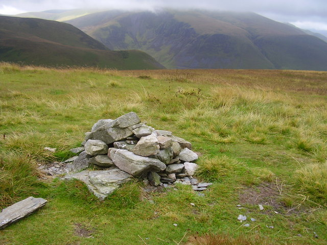 Small summit cairn on Great Cockup