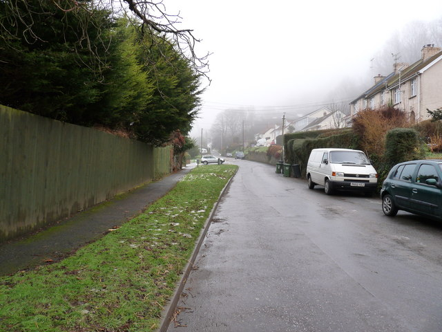 North Down Road approaching Silvan Drive