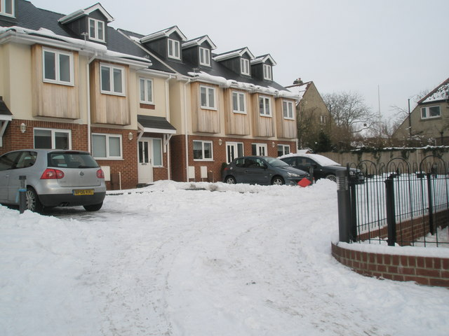 New homes behind the Alfa-Romeo garage on Havant Road