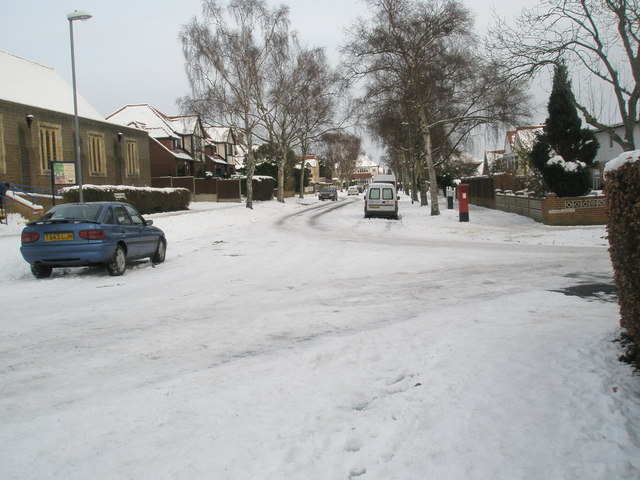 Looking from Lampeter Avenue towards apostbox in Penrhyn Avenue