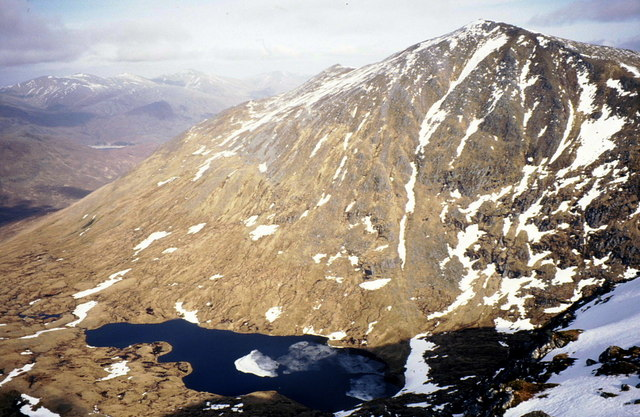 Sgùrr na Lapaich towers over Loch Mòr