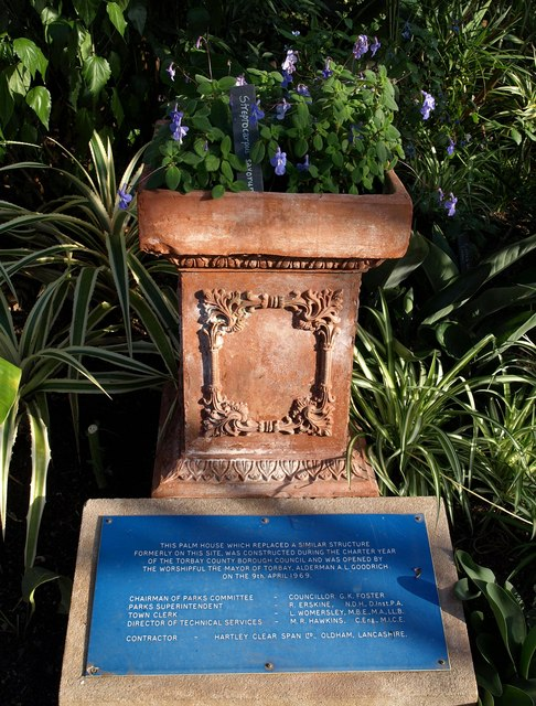 Pot and notice, Palm House, Torquay