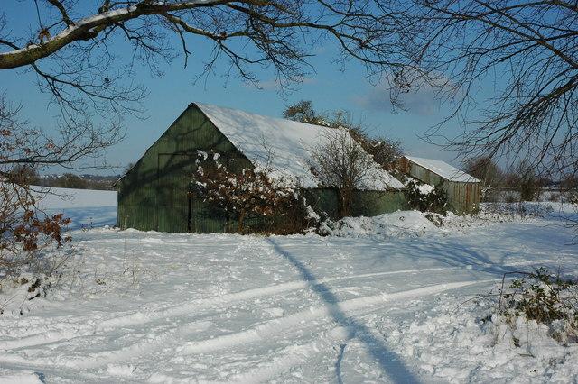 Barn in snow at Birlingham