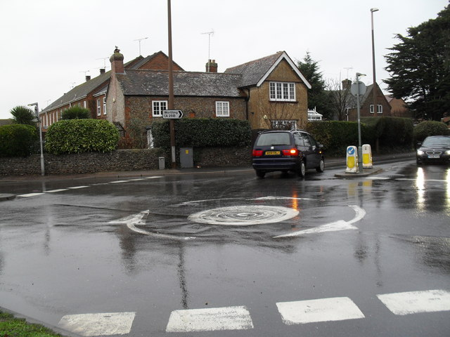 Mini-roundabout on the B2140