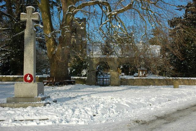 War Memorial and church, Birlingham