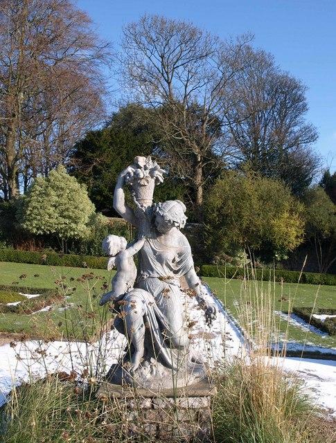 Statue, Torre Abbey Gardens