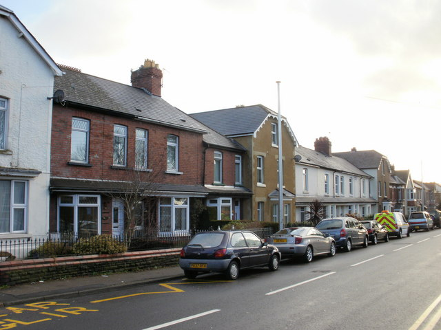 Housing variety, The Highway, New Inn