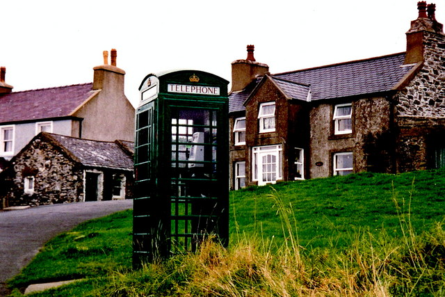 Cregneash - Green phone booth along village road