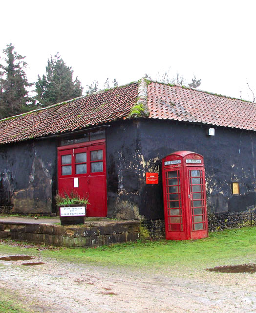 Old barn and K6 telephone box by Ivy Wall Farm