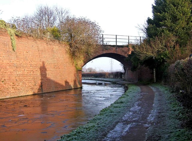 Former railway bridge over the Staffordshire & Worcestershire Canal
