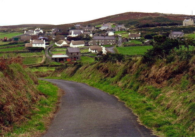Cregneash - Village view from south end of road