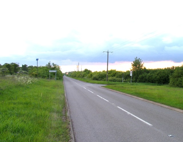 Junction of Great North Road and the lane to Pickworth