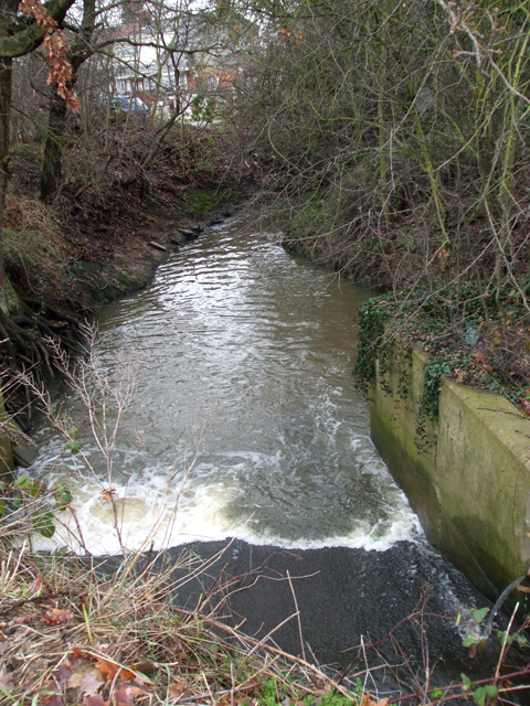 River Crouch flowing under A127