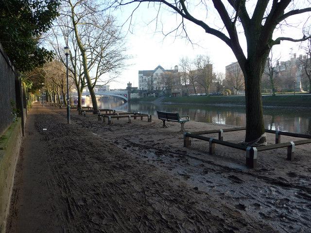 Riverside path alongside York Museum Garden