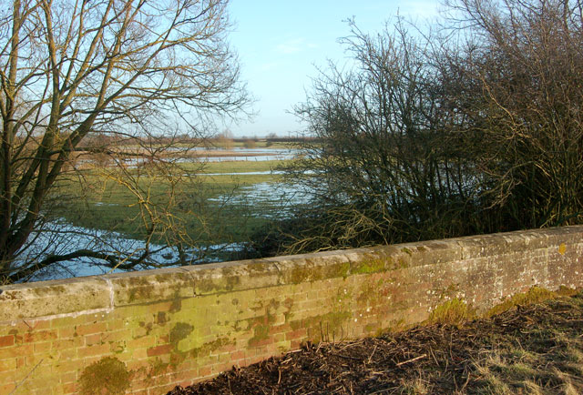 Looking east at the flooded River Leam from the A426 bridge