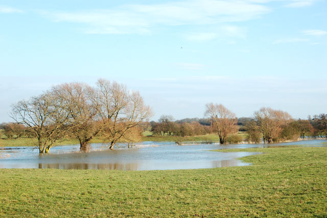 Fields beside the flooded River Leam near Marton