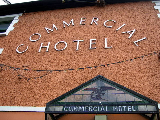 Signing, Commercial Hotel