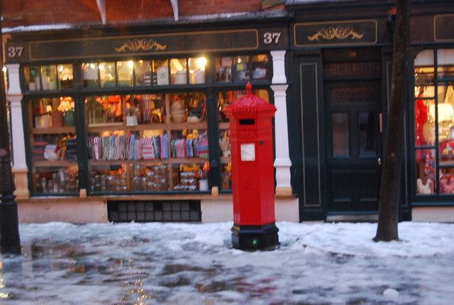Postbox, The Pantiles