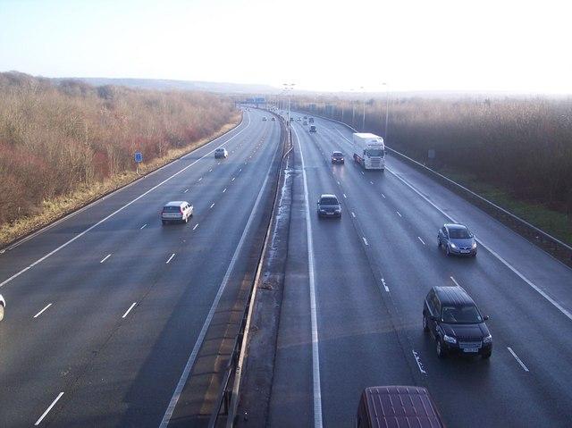 M25 Motorway - East from Combe Bank Drive Bridge
