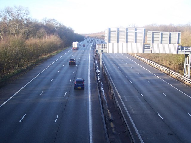 M25 Motorway - West from Combe Bank Drive Bridge