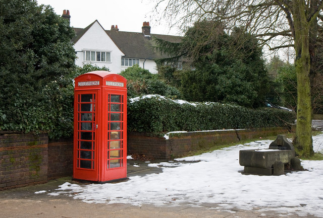 Phonebox on Meadway Gate