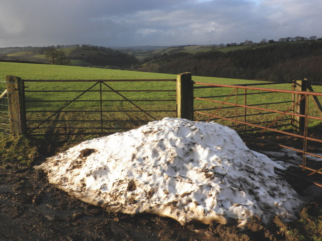Last of the snow, near Whittenhays