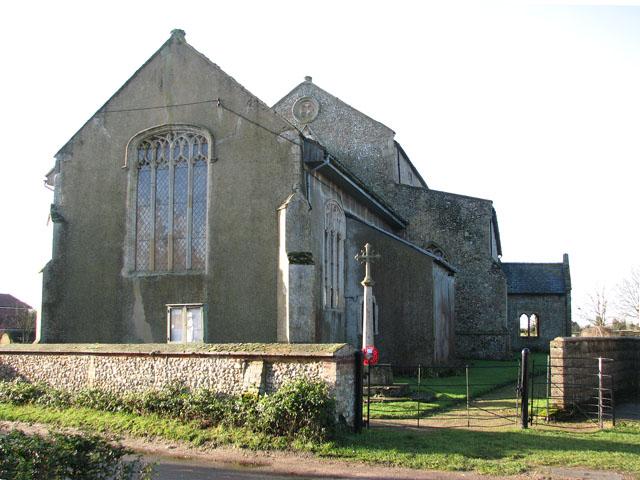 Entrance to All Saints churchyard