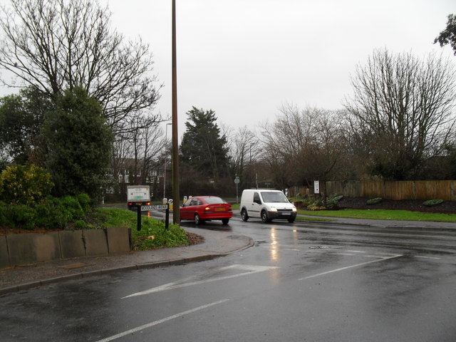Looking from Woodlands Avenue into Ash Lane