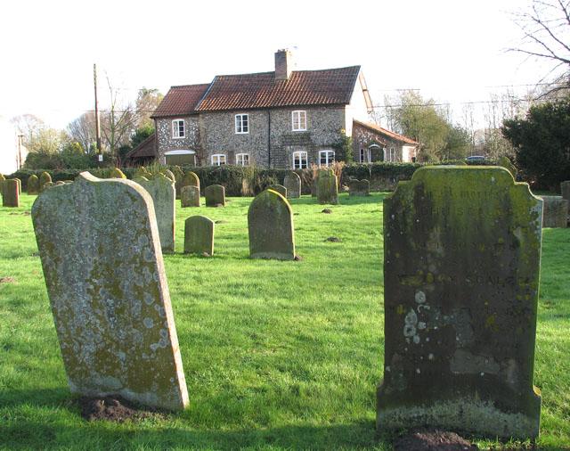 Flint cottage in Church Road